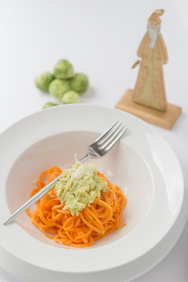 Brussels sprout pesto with spiralized sweet potato is a brilliant way of using up any left over sprouts. Quick to make, tasty, and low cost too, use this Brussels sprout pesto recipe to make sure that nothing goes to waste this Christmas!