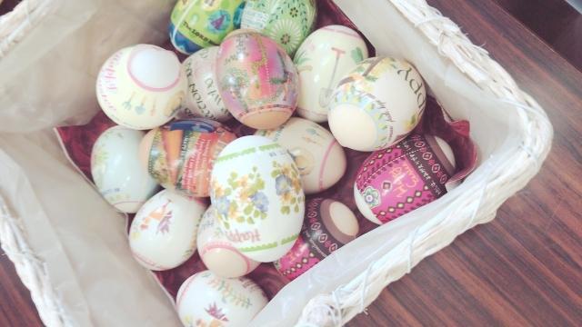 イースターエッグとは何?復活祭の卵の色と模様や絵にこめられた意味