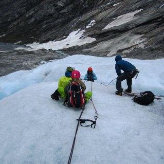 Redning på is - Trygve på veg opp