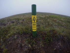 På Island legg dei høgspenten i bakken i turområde. ;-)
