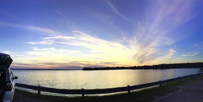 湖の日入り