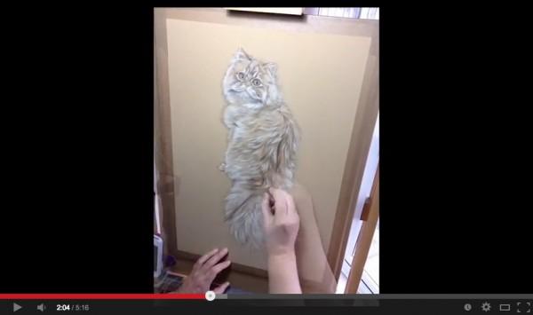 131226catdrawing 600x355 - なんだ、写真…じゃない…だと…。と思わされるリアルな手描き猫(動画)