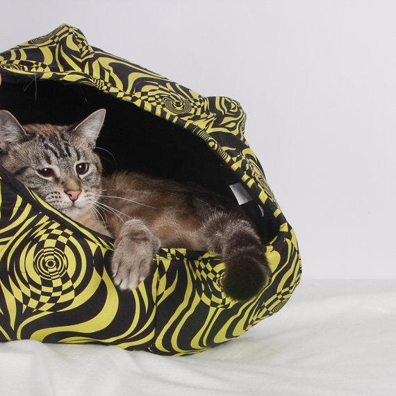 140412catball04 - やんちゃ派にも、まったり派にも使える猫ベッド「Cat Ball」