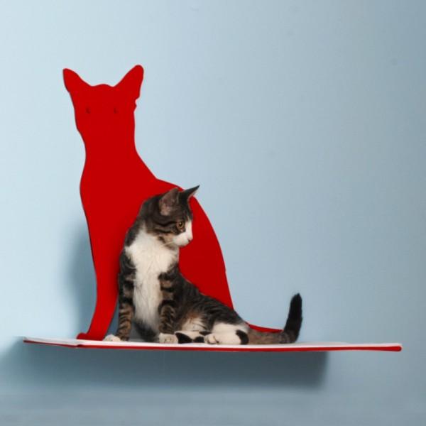 140503CatShelf01 600x600 - 猫シルエットの前に猫がたたずむ、壁掛けシェルフ