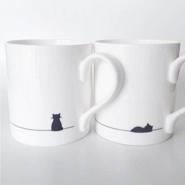140606catmug02 600x600 - 黒猫のマグカップ、さり気なく座ったり眠ったり