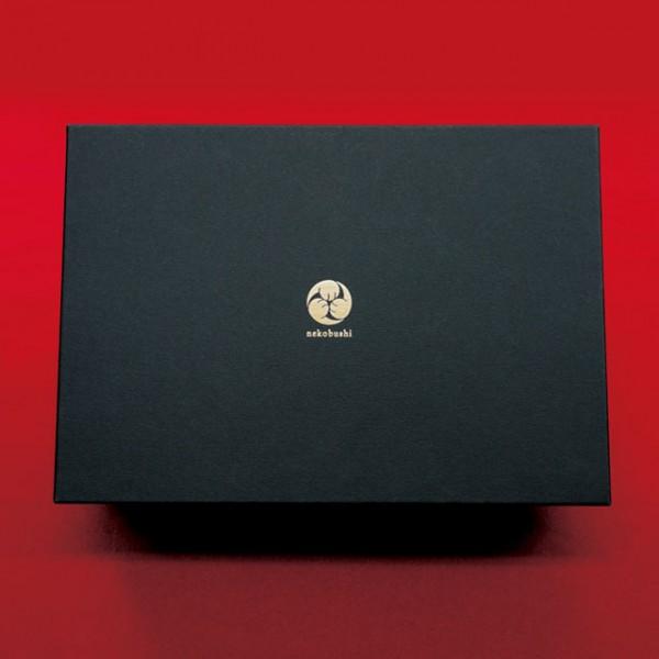 150226nekobushi02 600x600 - 猫贈答専用削り節セット、その名も「ねこぶし」