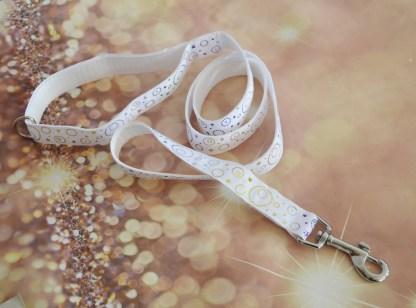 White swirly leash