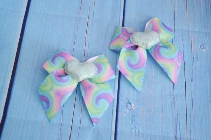 Mini hair bow – Rainbow fairy kei
