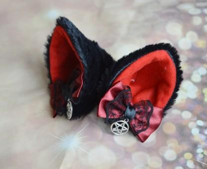 Nekollars Pentagram ears