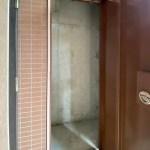 玄関横にトランクルームがあります。