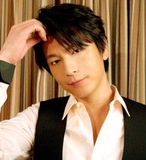 出会った頃は引きこもりだったというミッチー(画像引用:http://www.officiallyjd.com/wp-content/uploads/2011/07/20110730_oikawa_01.jpg)
