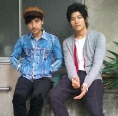 ミカエルと鈴木亮平(画像引用:http://stat001.ameba.jp/user_images/20100929/18/suzuki-ryohei/b3/20/j/o0230030610774095269.jpg)