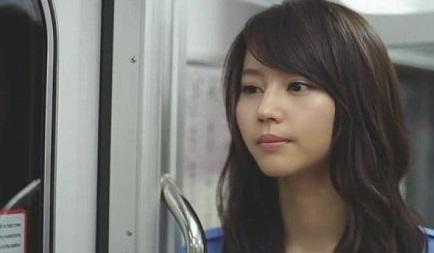 画像引用:http://buta-neko.org/img/actor/horikita/horikita_cm/cap251.jpg