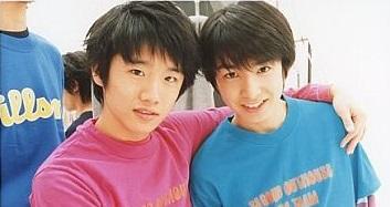 高校時代はジャニーズJrとして活動(画像引用:http://www.suruga-ya.jp/database/pics/game/g8765834.jpg)