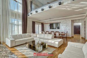 cs4006 Luksuzan četvorosoban stan, Budva