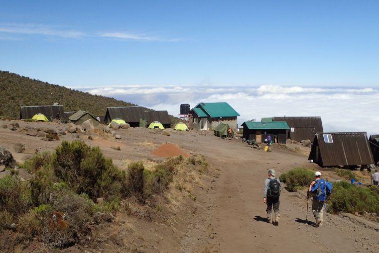 Ankunft an der Horombo Hut - unsere letzte Nacht über den Wolken