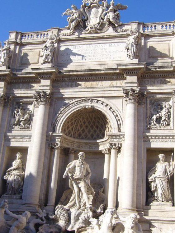 Fontaine de Trevi a Rome _ Ou partir en week-end depuis Bordeaux à Rome en Italie - Blog Bordeaux Ne le dites a personne #fontainedetrevi #trevi #rome #weekendarome #blogbordelais