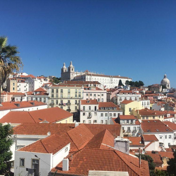 Les toits de Lisbonne_Meilleures destinations au départ de Bordeaux au Portugal - Blog Bordelais Ne le dites a personne #toitsdelisbonne #lisbonne #portugal #weekendalisbonne #blogbordelais