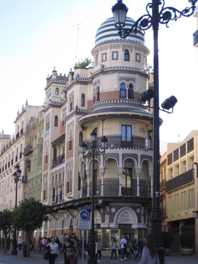 Seville Rues commerçantes _ Séville depuis Bordeaux_Week-end City Break en vol direct depuis Bordeaux - Blog Voyage Ne le dites a personne #seville #citybreakseville #visiterseville #blogvoyage