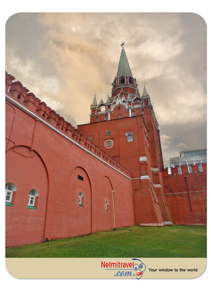 places to visit russia;The Troitskaya Tower; The Trinity Tower; Kremlin Towers; trinity tower;moscow tourist attractions;Троицкая башня