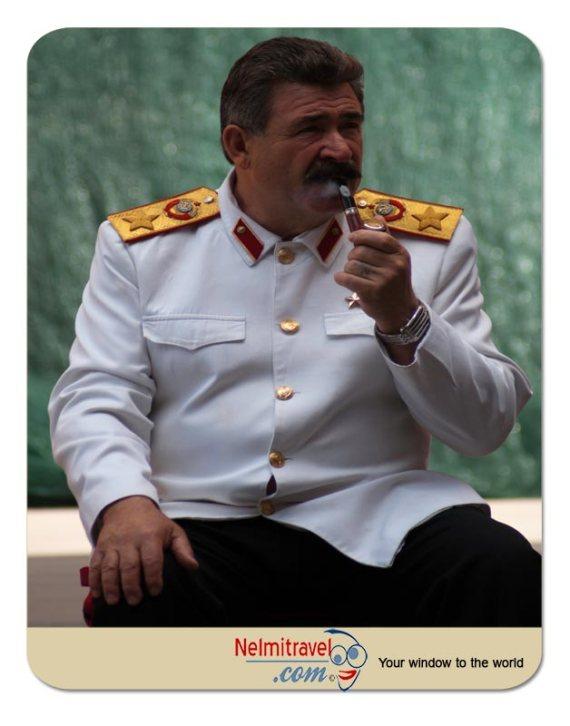 Stalin and Lenin; Stalin and Lenin lookalikes; Argument Stalin and Lenin; Soviet historical figures;
