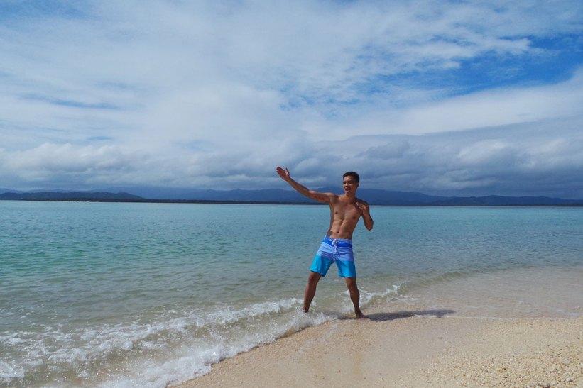 Flexing in Maniwaya Island