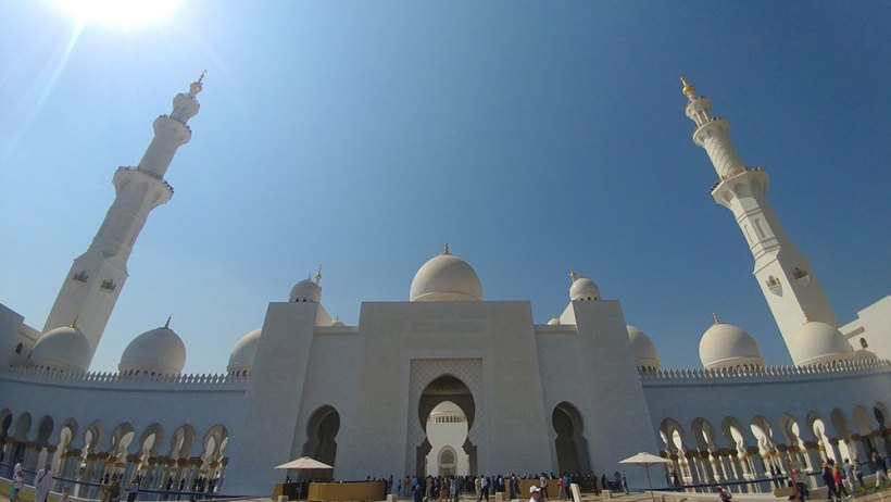 Entrance to Sheikh Zayed Grand Mosque