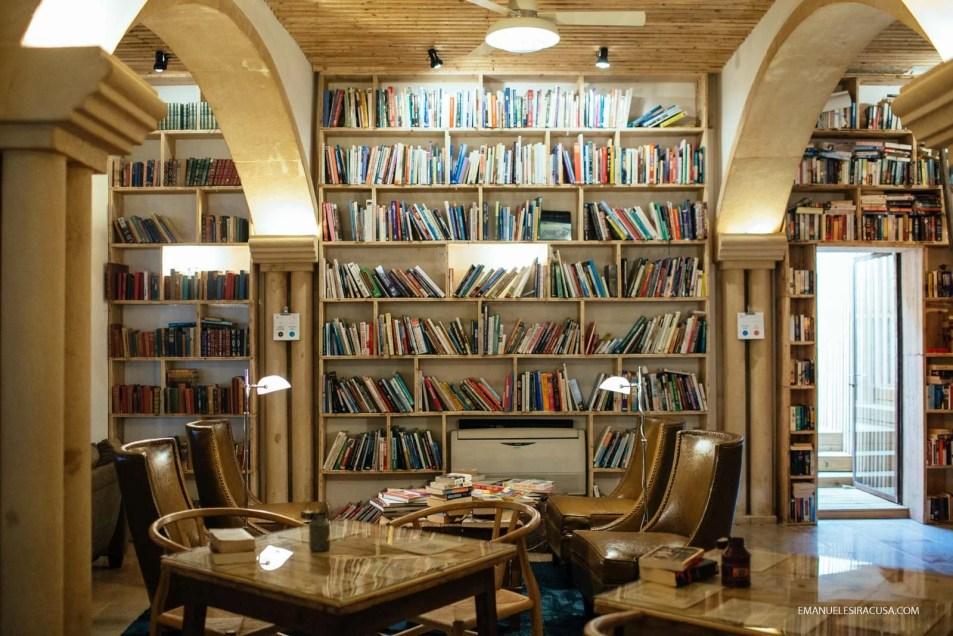 Emanuele Siracusa - Centro de Portugal - Oeste - Obidos Literary Man-4