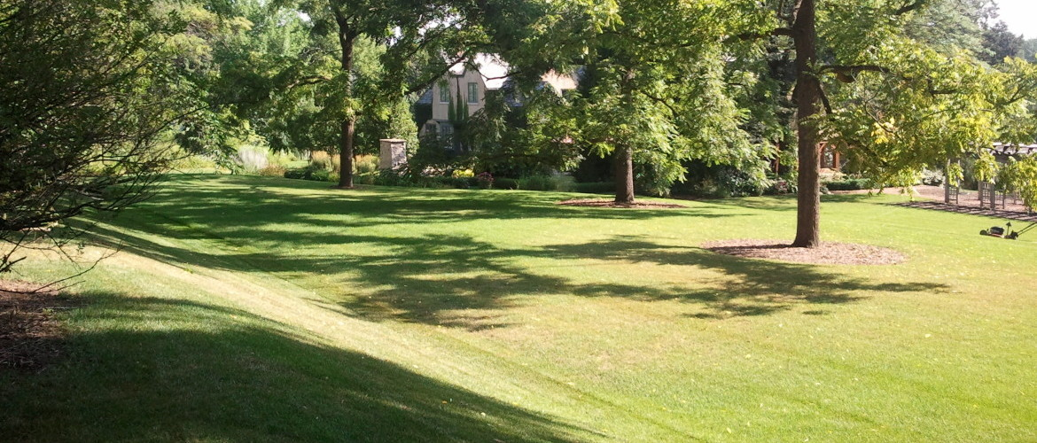 Residential Landscaping, Milwaukee Landscaping, Milwaukee Lawn Care, Landscapers Milwaukee, Lawn Cutting, Lawn Care Mequon, mequon landscaping
