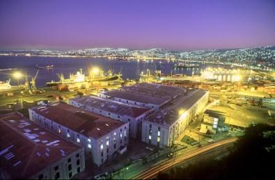Chile, Valparaiso, vista desde el cerro Alegre, nocturno