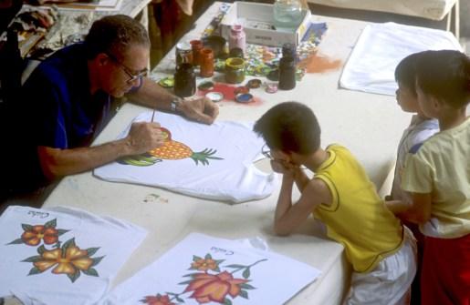 Cuba, La Habana, plaza de Armas, pintar en tela
