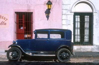 Uruguay, Dp, Colonia, Colonia de Sacramento, coche antiguos, transporte