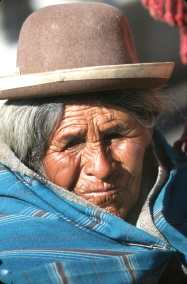 Bolivia, Lago Titicaca, Hiladora, retrato