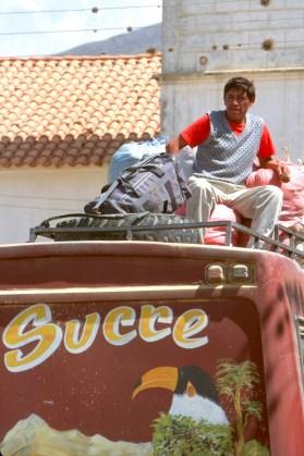 Bolivia, Chuquisaca, Tarabuco, feria dominical, bus