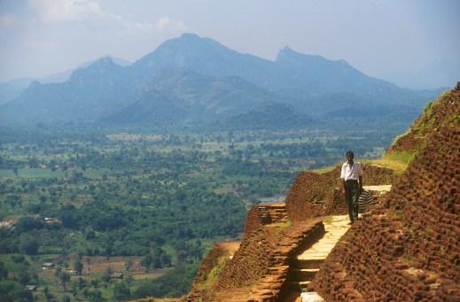 Sri Lanka, Sigiriya, templo de la roca, vista desde ella escaleras