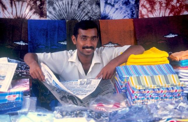 Sri Lanka, Horana, mercado, tienda de telas, retrato