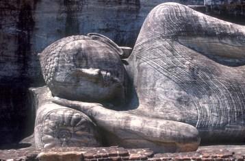 Sri Lanka, Polonnaruwa, capital mediabal, Buda Durmiendo, 14m, escultura