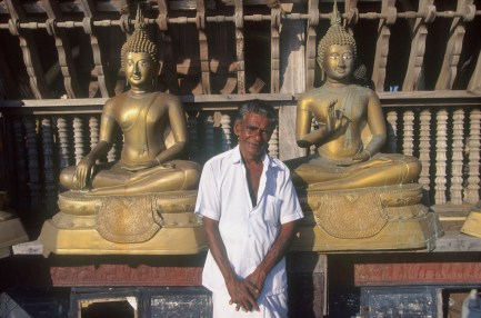 Sri Lanka, Colombo, templo Simamalakae, guía, retrato