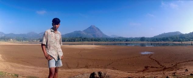 Sri Lanka, Polonnaruwa, un joven que paseaba por el embalse, retrato