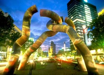 Alemania, Berlín, escultura Berlín Berlín Obra  Martin Matschinsky, escultura, nocturno