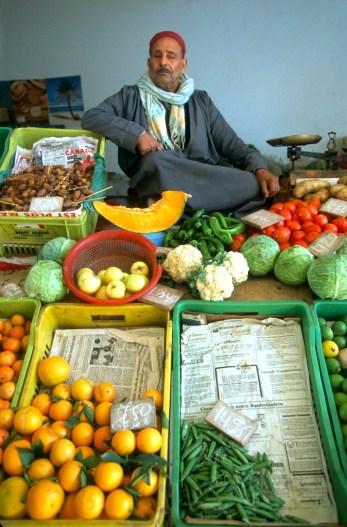 Túnez, Isla de Djerba, Houmet Souk, medina, hortalizas, retrato
