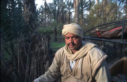 Túnez, oasis de dunas, Tozeur, conductor del carruaje, retrato