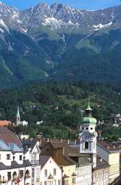 Tirol, Innsbruck, Calle Maria Teresa, Alpes