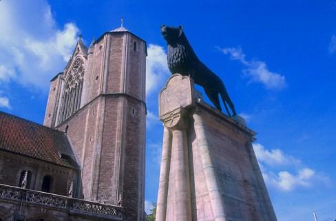 Alemania, Baja Sajonia, Braunschweig, Catedral San Blas, León