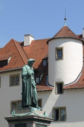Alemania, Baden-Wurtemberg, Stuttgart, plaza Schiller, Estatua Schiller, antigua cancillería