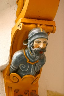 Alemania, Baden-Wurtemberg, Esslingen Am Neckar, decoraciones en casa medieval, escultura