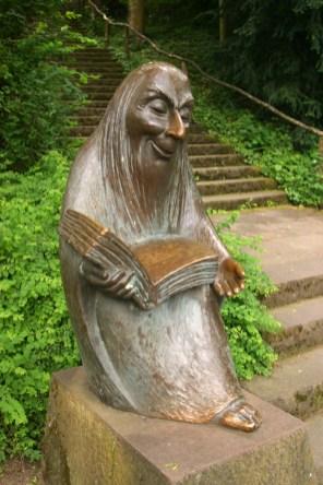 Alemania, Baden-Wurtemberg, Ludwigsburg, jardines barrocos, rincón de los cuentos de hada, escultura
