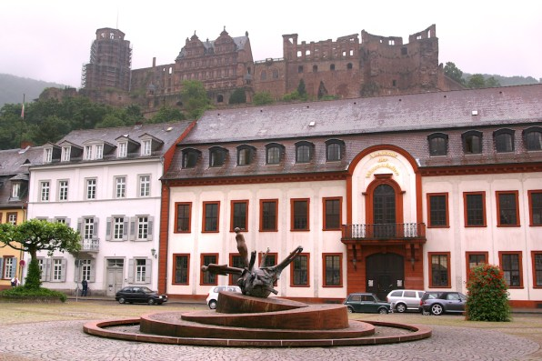 Alemania, Baden-Wurtemberg, Heidelberg, plaza Kornmarkt