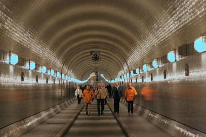 Alemania, Hamburgo, túnel bajo el río Elba