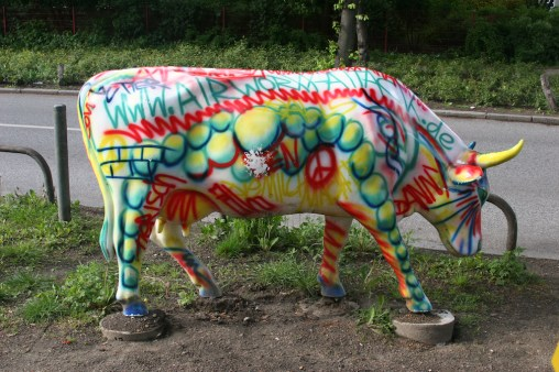 Alemania, Hamburgo, calle Mittelweg, vacas graffiti, escultura, animal